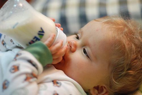 Relación entre la diabetes infantil y la primera comida